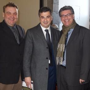 Al centro nella foto il sindaco di Brusciano Giosy Romano a destra il professore Vincenzo Peretti