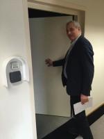 Nicola Caputo accede nella reading room del TTIP