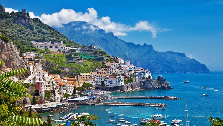Amalfi. Interruzioni temporanee del traffico sulla Statale Amalfitanaper bonifica costone roccioso