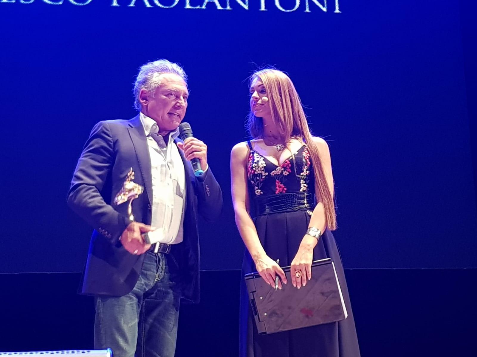 """Successo per il primo gala """"Vesuvio d'oro"""" al Pierrot di Ponticelli"""