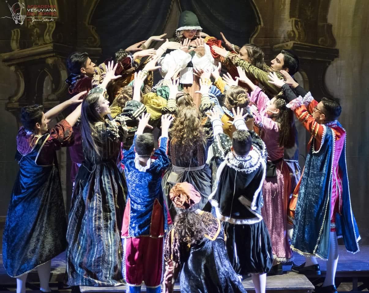 """Grande successo per la rassegna teatrale """"Le belle idee"""" in scena fino al 18 luglio"""