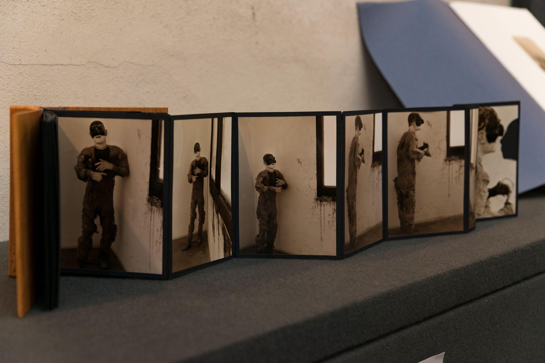 """Gli """"Attraversamenti"""" di Simonetta Funel: danza, ritratti, ricordi, storie al Maschio Angioino 9"""