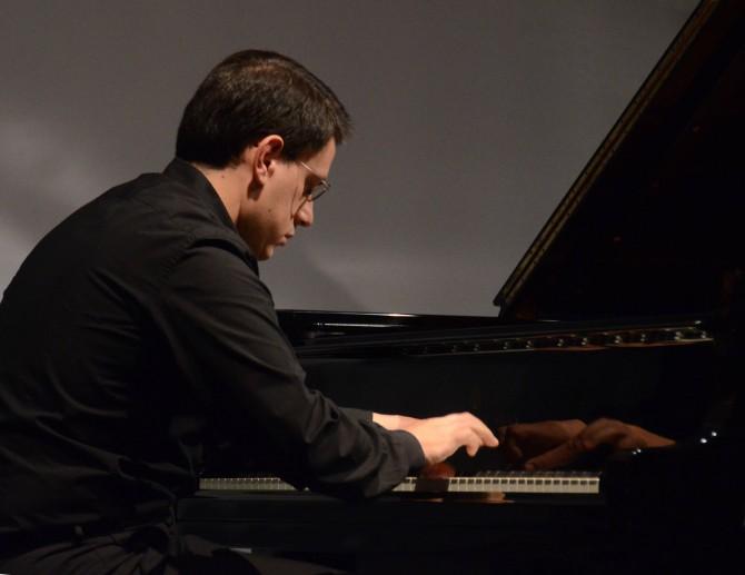 Concerti d'Autunno, chiusura con il pianista Mario Merola per i Preludi di Scriabin e Debussy