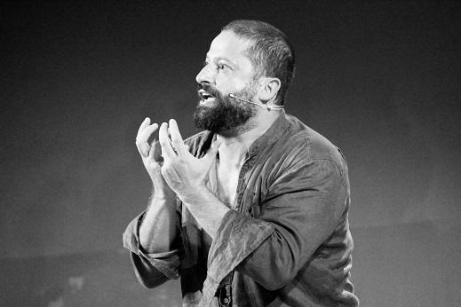 """""""Uno, nessuno e centomila"""" con Paolo Cresta in scena al Caos Teatro di Villaricca"""