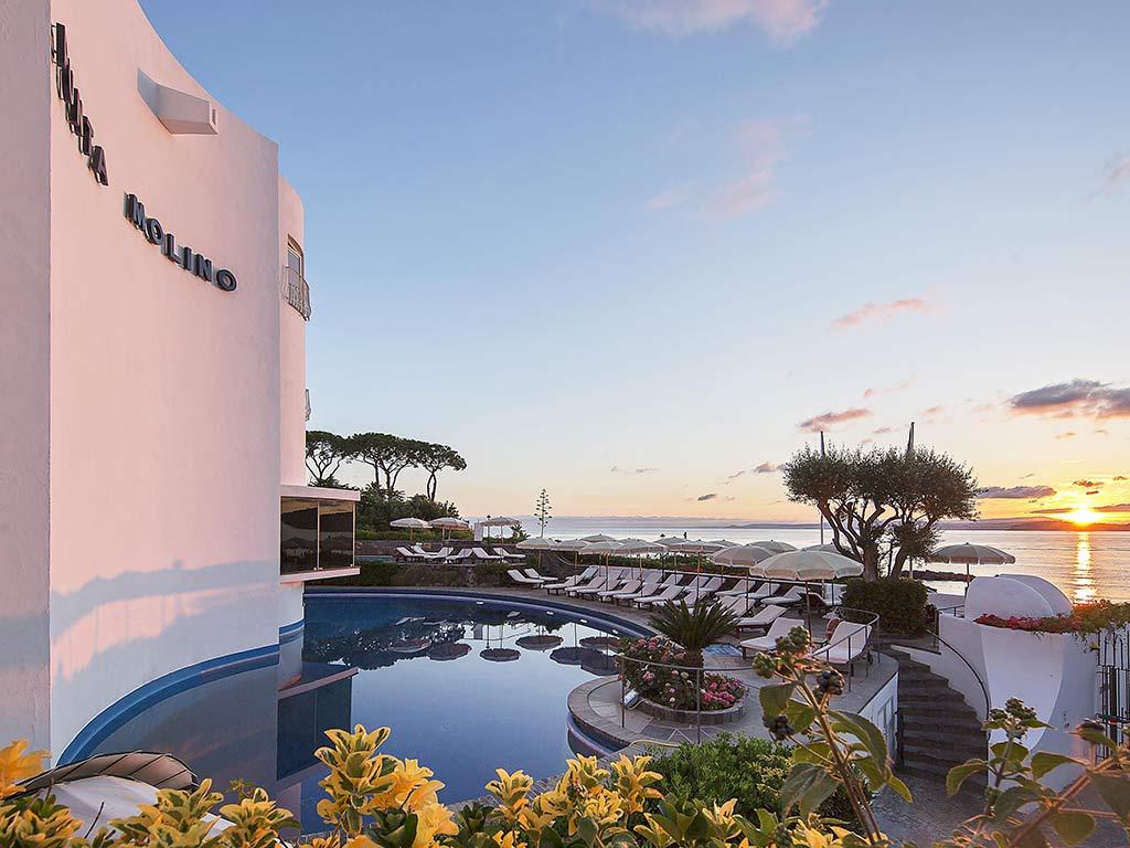 Riapre domani il Punta Molino, il Grand Hotel del jet set internazionale e della dolcevita ischitana 2