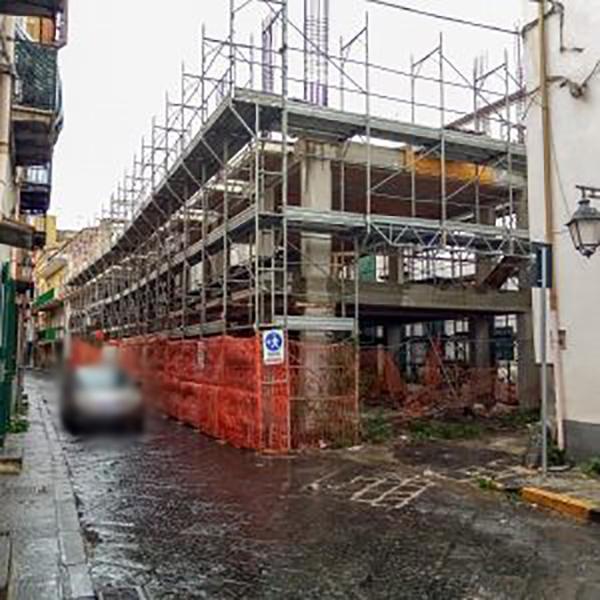 Pomigliano d'Arco, il Tar accoglie la richiesta della C.L.P. Costruzioni: niente demolizione a via Firenze